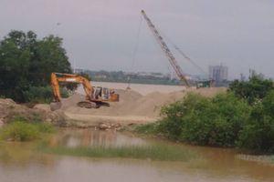 Hà Tĩnh: 'Lơ' lệnh cấm của tỉnh, huyện bãi cát trái phép vẫn ngang nhiên hoạt động
