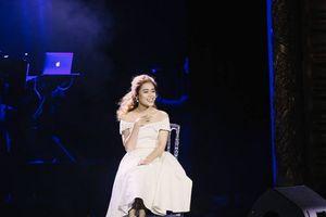 Hoàng Hồng Ngọc mới lạ trong Vietnam Concert 2018