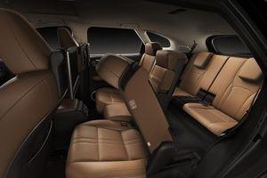 Lexus Việt Nam giới thiệu phiên bản 7 chỗ và động cơ Hybrid của dòng RX