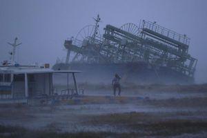 Siêu bão Trami 'quần thảo' Nhật Bản khiến nhiều khu vực tê liệt