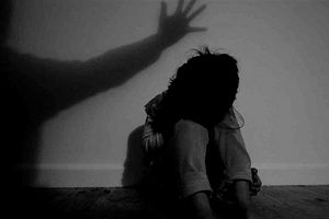 Bình Dương: Tạm giữ hình sự 2 đối tượng có hành vi xâm hại trẻ em