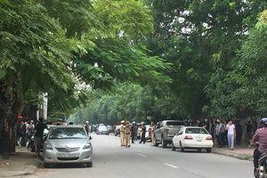 Hàng trăm cảnh sát, lính bắn tỉa ở Nghệ An bao vây kẻ ôm lựu đạn cố thủ trong nhà