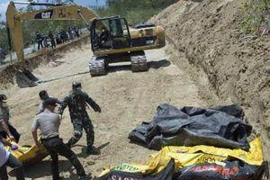 Thảm họa kép ở Indonesia: Bắt đầu đợt chôn tập thể đầu tiên