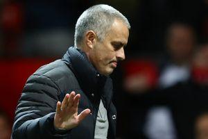 HLV Mourinho 'nắn gân' học trò trước tình trạng bất ổn của MU