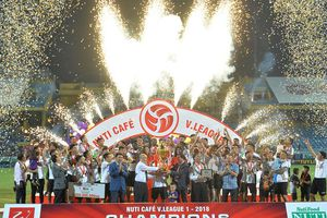 Thắng XSKT Cần Thơ, Hà Nội FC có niềm vui trọn vẹn trong ngày đăng quang