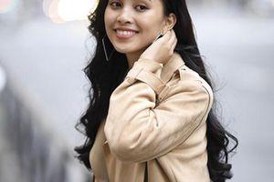 Mặt mộc xinh đẹp nhưng già dặn hơn tuổi 18 của Trần Tiểu Vy