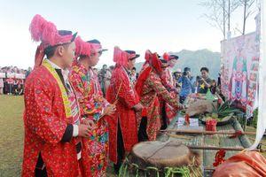 Bí ẩn lễ cúng Bàn Vương của người Dao