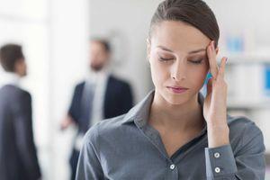 Dấu hiệu đau đầu cảnh báo bệnh cực kỳ nguy hiểm
