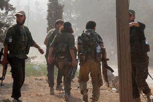 Phớt lờ Nga – Thổ, phiến quân Syria ngang nhiên diễu binh ở Aleppo