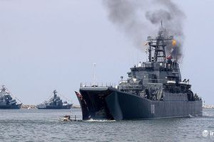 Nga điều động 2 tàu chiến trang bị tên lửa ra khỏi hải phận Syria làm gì?