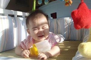 Nên tắm nắng hay chỉ bổ sung vitamin D cho trẻ - câu trả lời sẽ khiến bạn bất ngờ