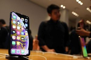 Người dùng iPhone Xs và Xs Max than máy không sạc được pin