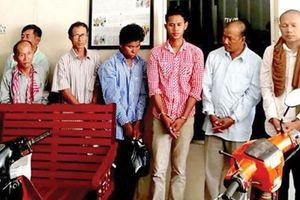 Campuchia cáo buộc 8 đối tượng tổ chức nhóm vũ trang, buôn bán vũ khí