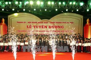 Hà Nội vinh danh 88 thủ khoa xuất sắc tốt nghiệp đại học, học viện