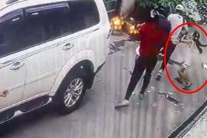 Cô bé 8 tuổi dũng cảm chặn 4 tên cướp có vũ trang