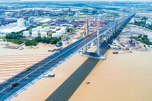 Nghĩ thêm về cây cầu Bạch Đằng: Đánh thức một thời quá vãng