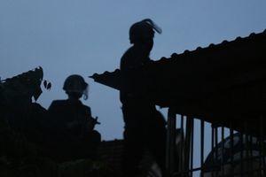 Toàn cảnh vụ vây bắt đối tượng sử dụng lựu đạn cố thủ tại TP.Vinh