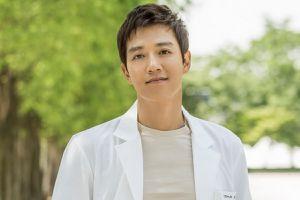 Kim Rae-won vào vai ông trùm ra tranh cử tổng thống trong phim mới