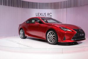 Lexus RC 2019 ra mắt - coupe hạng sang tiệm cận siêu xe
