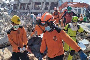 Thảm hoạt động đất, sóng thần tại Indonesia: Thương vong lên tới 1.347 người