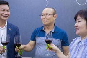 HLV Park Hang-seo được trao tặng căn hộ tiền tỷ từ Shark Hưng