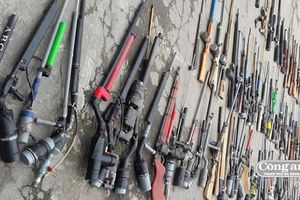 Tiêu hủy hàng trăm súng tự chế