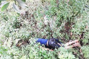Nam thanh niên nghi bị côn đồ tra tấn đến chết rồi vứt xác ven đường