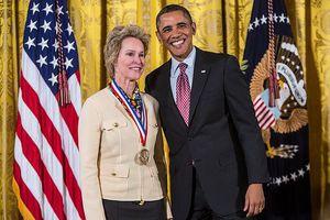 Người phụ nữ thứ 5 trong lịch sử giành giải Nobel Hóa học là ai?