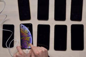 Nhiều người dùng iPhone XS phàn nàn gặp sự cố không thể sạc pin