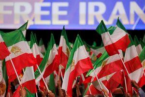 Pháp tố tình báo Iran âm mưu đánh bom gần Paris
