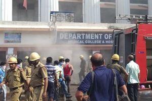 Hỏa hoạn lớn tại bệnh viện ở Ấn Độ, sơ tán hàng trăm bệnh nhân