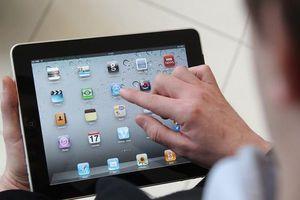 Máy tính bảng Samsung 'ngắc ngoải', Apple vẫn sống tốt với iPad