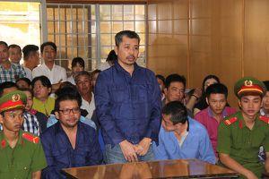Đường dây mua bán 'logo xe vua': Nguyên CSGT lãnh 8 năm tù giam