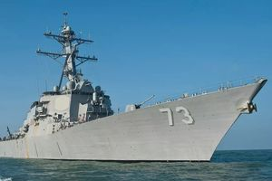 Tàu chiến Trung Quốc áp sát nguy hiểm khu trục hạm Mỹ trên Biển Đông