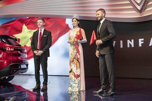 Hoa hậu Tiểu Vy lộng lẫy bên David Beckham