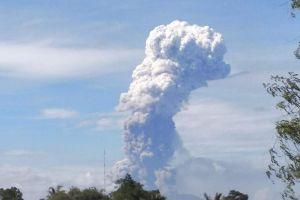 Indonesia: Núi lửa phun trào chỉ sau vài ngày động đất và sóng thần