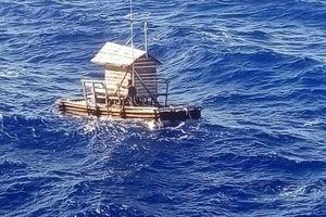 Sống sót sau 49 ngày lênh đênh một mình trên biển
