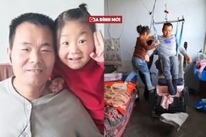 Cô bé 6 tuổi một mình chăm bố bị liệt sau khi mẹ bỏ nhà đi