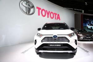 Toyota RAV4 Hybrid 2019 ra mắt khách hàng tại Châu Âu, công suất 219 mã lực