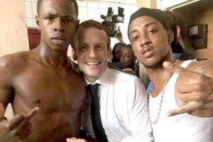 Bức ảnh khiến Tổng thống Pháp bị chỉ trích dữ dội
