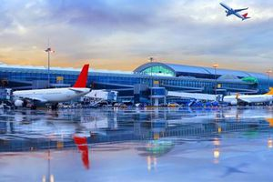 Cận cảnh sân bay hẻo lánh nhất thế giới