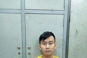 Thiếu nợ, nam sinh viên cầm dao đi cướp cửa hàng tiện lợi