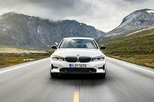 BMW 3 Series 2019 giá từ 940 triệu đồng 'đấu' Audi A4