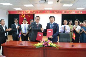 Chính thức thiết lập quan hệ hợp tác giữa Hội Nhà báo Việt Nam và Câu lạc bộ các nhà báo Campuchia