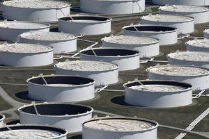 Căng thẳng đỉnh điểm, Mỹ ngừng cấp dầu thô cho Trung Quốc