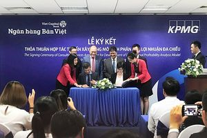 Ngân hàng Bản Việt kí kết xây dựng Mô hình phân tích lợi nhuận đa chiều với KPMG