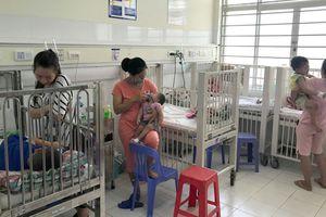 Tay chân miệng ở Hà Nội tăng gấp đôi, nhiều trẻ bị biến chứng não