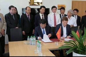 Hà Tĩnh: Trao giấy Chứng nhận đầu tư cho 3 dự án FDI có vốn 60 triệu USD