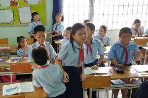 GV đánh học trò bị xử phạt: 'Mời Bộ trưởng hãy dạy học sinh lớp 1 một ngày'