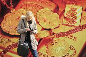 Giá vàng giảm trước thềm báo cáo quan trọng về thị trường việc làm Mỹ